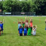 WIR BLEIBEN AM BALL – Zurück auf dem Fußballplatz